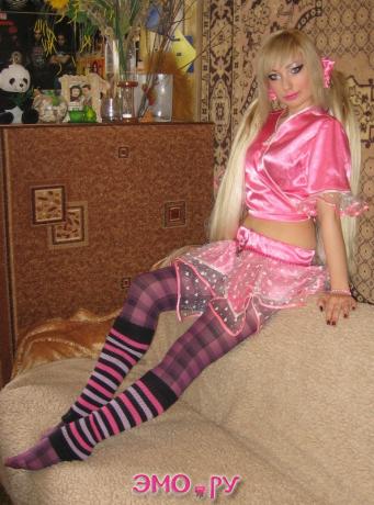 Кукла Вудду и задний вид комнаты