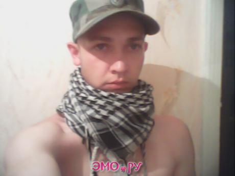 волосы ещё не отросли после армии)))
